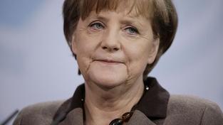 Merkelová chce více pravomocí pro EU a rozpočtovou unii