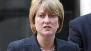 Skandál: Britská ministryně vnitra opustí vládu
