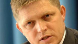 Fico odsoudil útoky na Paroubka