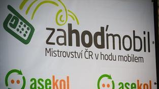 Ve Žlutých lázních se koná Mistrovství ČR v hodu mobilem