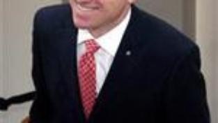 Bursík odevzdal Fischerovi návrh ministrů