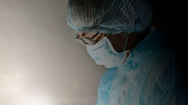 Známý chirurg proti Hegerovi: Chudé bude operovat ten, co zbyde