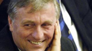 Rusko varuje kvůli pádu české vlády před eurokatastrofou