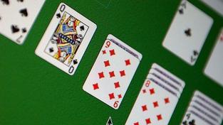 Vleklý proces s Breivikem už znudil i soudce, hrál solitaire