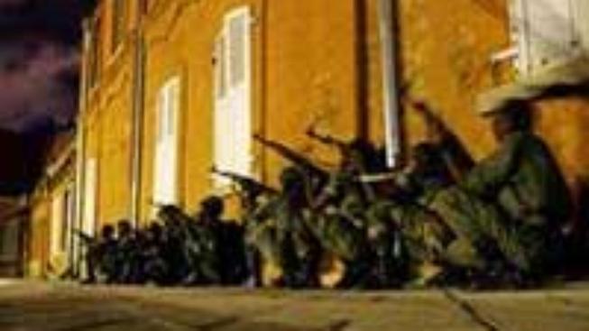 Madagaskar: Prezident předal moc armádě