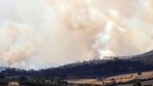 V boji s požáry došlo k chybám, přiznal Brumby