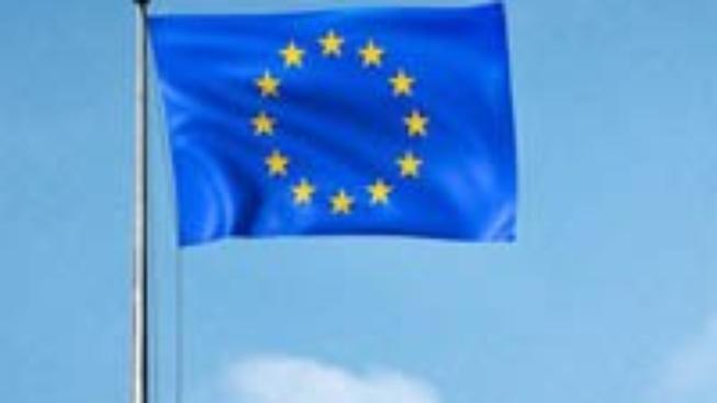 Paříž a Praha prý ovlivňují svou rivalitou řád v EU