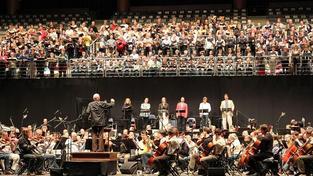 Ministr Kalousek podepsal zvýšení mezd pro Českou filharmonii