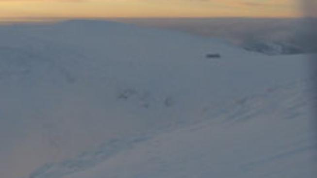 Záchranáři našli oba lidi zasypané lavinou
