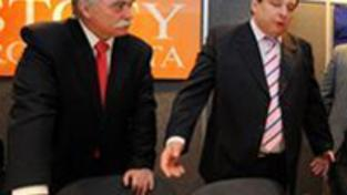 Paroubek: Za předčasné volby podpoříme menšinovou vládu
