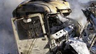 Nehoda cisterny: Dva lidé uhořeli