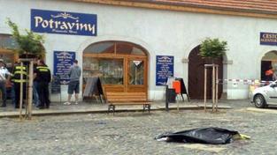 Policie dopadla zloděje, který přejel majitele dodávky z Velvar