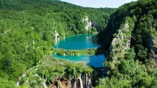 Plitvická jezera jsou pokladem na Stříbrném jezeře
