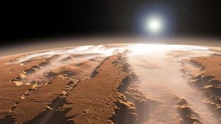 Povrch Marsu mohly podle vědců zahřát dopady obřích asteroidů
