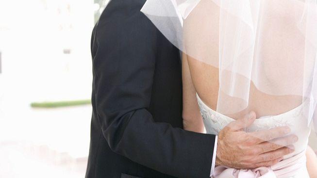Šest lidí dostalo trest smrti za tanec na svatbě