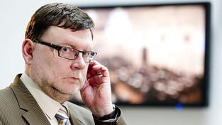 Stanjura: Kvůli Rathově účasti na schůzi se musí uzavřít celá sněmovna