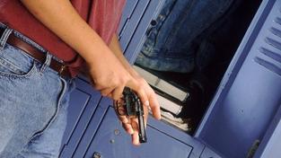 Středoškolák vyhrožoval zabitím dítěte. Odvolával se na Breivika