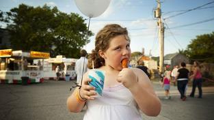 Studie: Obézní děti mají v dospělosti vyšší riziko infarktu a mozkové mrtvice