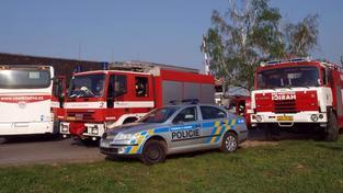 Plně obsazený polský autobus sjel na Šumpersku do příkopu. 7 zraněných
