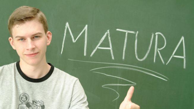 Inspekce prověřuje školy, které možná podváděly při maturitách