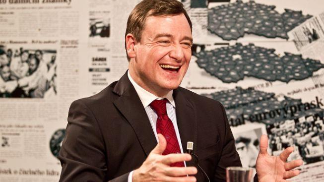 Zahraniční tisk o Rathovi: Politický supertalent s manýry Ramba