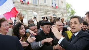 Poražený Sarkozy vymění prezidentování za advokacii
