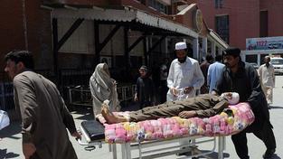 Taliban se opět ozval. Sebevražedný atentátník zabil 20 lidí, 46 zranil