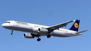 Lufthansa propustí po celém světě 3 500 pracovníků administrativy