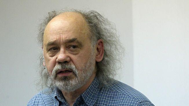 "Disident John Bok k Čechům: Povstaňte a ""popravte"" politiky"