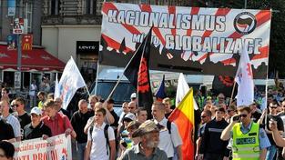 Anarchisti a pravicoví extrémisti se střetli: 5 zraněných