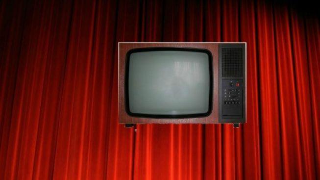 Televize versus divadlo