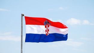 Čeští senátoři podepsali smlouvu o připojení Chorvatska k EU