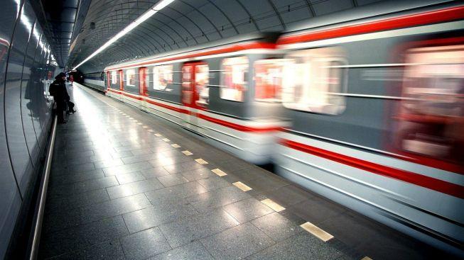 Čtyři nové stanice metra A mají dokončeny hrubé stavební práce