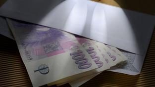 Podnikatele zatkla policie při předávání úplatku