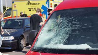 V Ústí nad Labem auto srazilo chodce, nehodu nepřežil