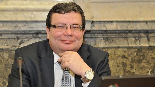 """Vondra: Nebudeme tahat názvy """"přebytečných"""" ministerstev z kloubouku!"""