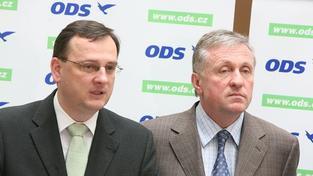 Nečas a Topolánek stojí před komisí! Vypovídají v kauze Janoušek - Bém