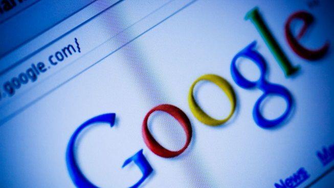 Akcie Googlu jsou na rekordu, od debutu vydělaly přes 800 procent