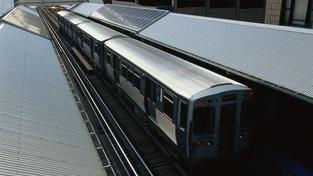 Drzí zloději ukradli napájecí kabely z trati. Vlaky nemohly jezdit