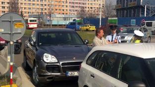 V autě, kterým Janoušek ujel policii, jezdil kdysi Paroubek