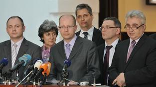 ČSSD požaduje, aby Bém, John a Kubice opustili politiku