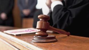 Soudce pozměnil rozsudek, čeká ho trest
