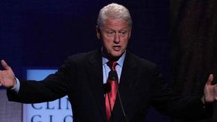 Clinton přednese závažný projev, v němž se veřejně postaví za Obamu