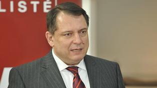 Paroubek chce v prezidentských volbách podpořit Zemana