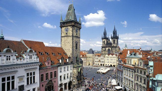 Proč Praha přitahuje tolik turistů z celého světa?