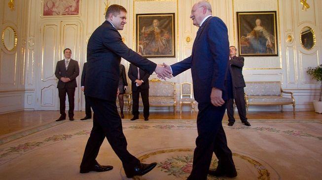 Prezident Gašparovič pověřil šéfa Směru Fica sestavením vlády