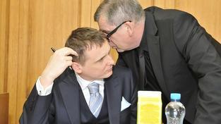 Soud s Bártou a Škárkou pokračuje: Vyslýchán je Jankovský