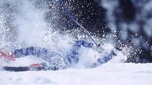 Český lyžař vyproštěný zpod laviny v Rakousku svůj boj o život prohrál
