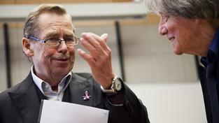 Učitel etikety a bývalý prezidentský mluvčí Špaček napsal vzpomínky na Havla