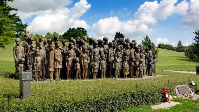 Soud kvůli sochám lidických dětí bude pokračovat v květnu